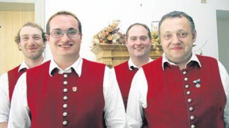Die drei an der Spitze des Musikvereins Dirlewang: Hermann Bader, Tobias Schmid, Norbert Lutz (von links). Anton Blaschko (rechts) trat nicht mehr an.