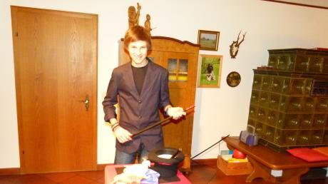 Der 14-jährige Fabian Severin verwandelt sich bei Auftritten regelmäßig vom Schüler in einen Magier.