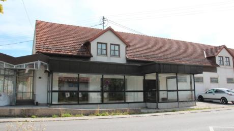 Das ehemalige Edeka-Gebäude in Dirlewang wird in 15 Wohneinheiten umgebaut. Ein Asylbewerberheim ist dort nicht geplant.