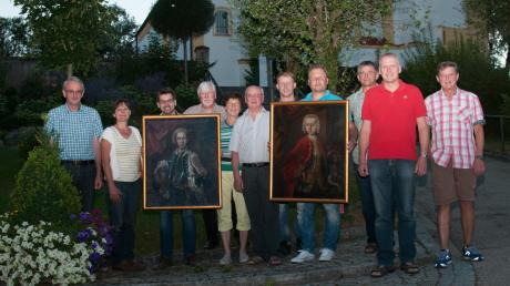 """Der Heimatdienst Dirlewang freut sich über den Erwerb der beiden Gemälde von Hofmaler Franz, der 1715 in Dirlewang geboren wurde. Nach der Renovierung werden die Bilder im Heimathaus """"Taverne"""" einen festen Platz bekommen."""