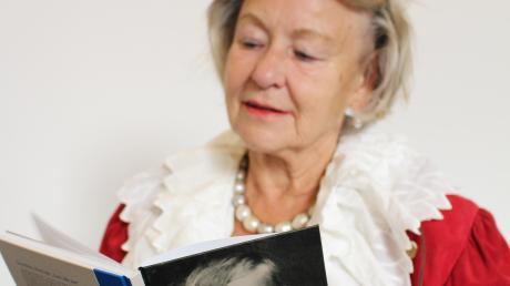 Die Autorin fand die Geschichten ihres Mannes so spannend, dass sie sich entschloss, sie aufzuschreiben.