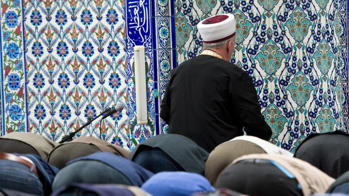 ulm muslim Der 25-jährige aus senden im landkreis neu-ulm plante wohl eine reise zum  is  ich bin muslim, kein anhänger einer ideologie, erklärt er.