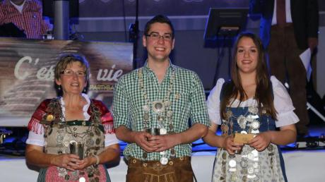 Die neuen Gauschützenkönige heißen (von links): Maria Sattelmayer (Traunried), Lukas Kögel (Ettringen) und Nathalie Michaela Nega (Zaisertshofen).
