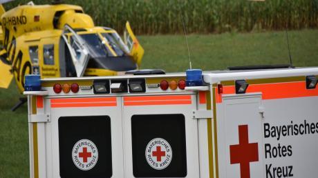 Ein Rettungshubschrauber war im Einsatz, um in Zaisertshofen einen Schwerverletzen ins Krankenhaus zu bringen.