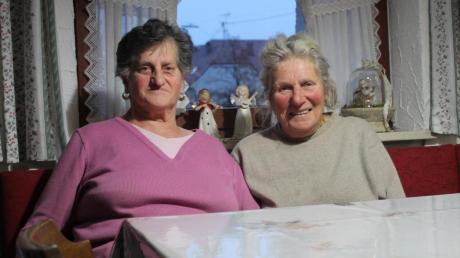 """Agathe Schmidberger und Aloisia Brückle kennen sich schon sehr lange: """"Über 40 Jahre schon"""", schätzen die beiden Damen, die sich regelmäßig gegenseitig besuchen."""