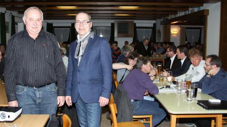 Erwin Hefele (vorne links), Zweiter Bürgermeister und Vorsitzender des Wasserzweckverbandes, und Bürgermeister Jürgen Tempel berichteten über Aktuelles aus der Gemeinde Breitenbrunn.