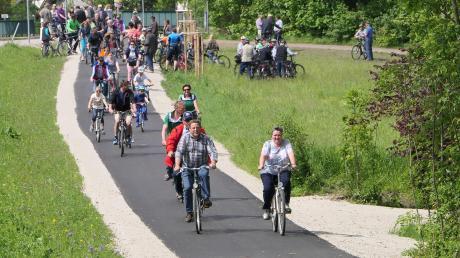 Bei strahlendem Wetter wurde der neue Radweg zwischen Mörgen und Salgen eröffnet.