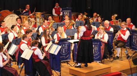 Die Breitenbrunner Musikanten boten bei ihrem Jahreskonzert im Haus der Vereine sowohl mit ihren Instrumenten sowie teils auch mit ihren Stimmen einen besonderen Ohrenschmaus.