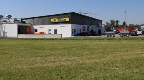 Hier soll der geplante Getränkemarkt in Dirlewang entstehen.