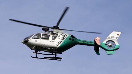 Bei der Suche nach dem Vermissten setzte die Polizei auch einen Hubschrauber ein.