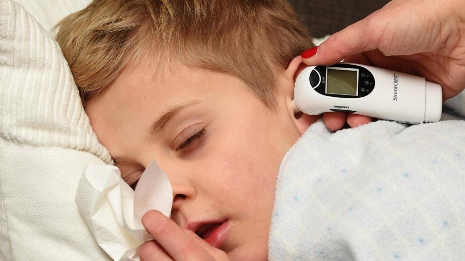 Immer mehr Kleinkinder und Säuglinge erkranken aktuell an dem RS-Virus.