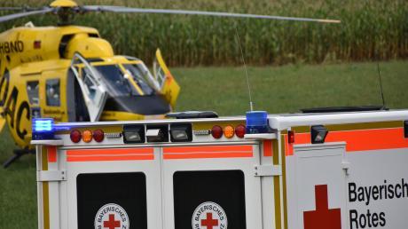 Ein Rettungshubschrauber brachte am Samstag einen schwerverletzten Radfahrer in eine Klinik.