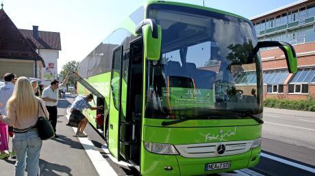 Fernbusse werden immer beliebter, wie hier im Unterallgäu. Die Fernbushaltestelle in Böfingen bei Ulm ist bei Kunden allerdings nicht beliebt.