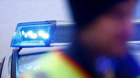 Bei einem Unfall bei Türkheim wurden mehrere Menschen verletzt.