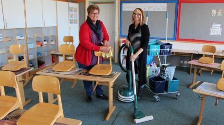 Gemeinsam in einem Klassenzimmer trifft man Angela Knoll (links) und Andrea Schuster nur fürs Foto an. Angela Knoll ist nämlich für den ersten Stock der Grundschule zuständig und ihre Kollegin für das Erdgeschoss.