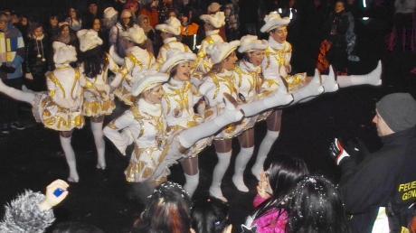 Auf die Narren wartet im kommenden Jahr ein besonders langer Fasching, der mit dem Nachtumzug der Ettrinarria am Rosenmontag, 4. März 2019, einen stimmungsvollen Höhepunkt haben wird. Schon jetzt laufen die Vorbereitungen hinter den Kulissen auf Hochtouren.