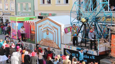 Heute am 2.2.2020: Großer Faschingsumzug in Balzhausen - Termin, Programm und die Uhrzeit. Der Wagen des Karnevalsclubs Ballustika Balzhausen ist Jahr für Jahr ein Höhepunkt beim Umzug.