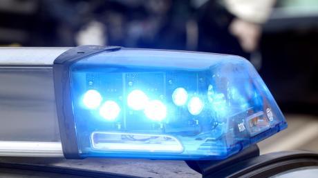 Vor einigen Tagen wurde einem Augsburger ein Laptop aus dem Auto gestohlen. Doch er fand es im Internet - und die Polizei  einen Verdächtigen.