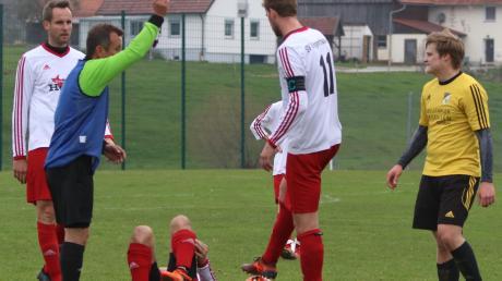 Der TSV Kammlach die Weichen weiter Richtung Aufstiegsrelegation stellen. Nach einigen Anlaufschwierigkeiten kämpfte sich das Team von Manuel Neß ins Spiel und holte den wichtigen Dreier.