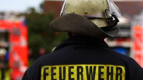 Die Feuerwehr musste einen brennenden Bauwagen in Oberrieden löschen.