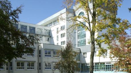 Die Kreiskliniken Unterallgäu wollen mit den Kliniken im Oberallgäu und in Kempten fusionieren. Jetzt macht sich bei der Belegschaft in Mindelheim und Ottobeuren Unruhe breit.