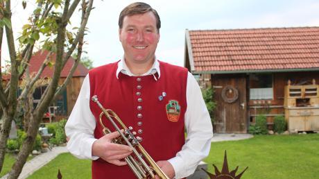 Manfred Wörishofer ist immer da, wenn man ihn braucht. Der Salgener ist in vielen Vereinen aktiv, doch die Musik liegt ihm besonders am Herzen. In der Musikkapelle Hausen gibt er als Vorsitzender den Ton an.