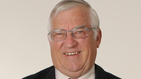 Josef Hölzle hat schon mehrere Heimatbücher geschrieben.