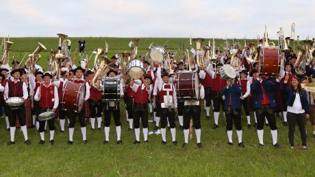 Auf dem Galgenberg gab es einen Gemeinschaftschor zu hören und natürlich durfte der Musikantengruß gen Himmel nicht fehlen.