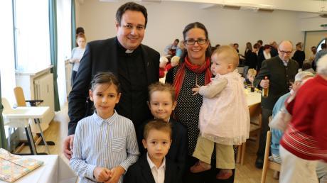 Am Sonntag empfing die Gemeinde Linder und seine Familie bei einem Festgottesdienst.