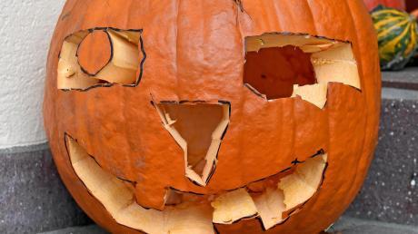Halloween hat in Türkheim gleich zu mehreren Einsätzen der Polizei geführt.