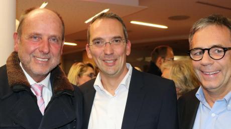Preisträger mit früheren Wirtschaftspreisträgern (von links): Joachim Löwenthal (Skyline Park), Wirtschaftspreisträger 2019 Arno Müller (Häwa) und Thomas Maier (Josef Maier GmbH).