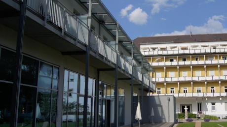 Das Kneippianum in Bad Wörishofen wurde einst von Pfarrer Sebastian Kneipp gegründet. Nun geht es um die künftige Nutzung des geschlossenen Hotels.