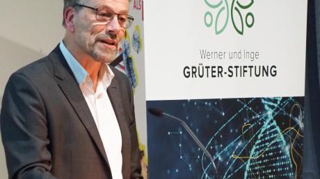 Ulrich Schmid erhielt den Grüter-Preis für Wissenschaftsvermittlung.