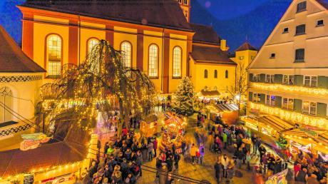 Ab heute präsentiert sich ikm historischen Kern von Mindelheim der Advent. Infos rund um Öffnungszeiten, Start und Termine: hier.