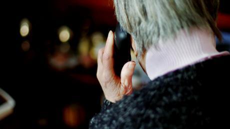 Mit dem Enkeltrick versuchen Betrüger in Bad Wörishofen, an das Geld älterer Menschen zu kommen.