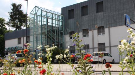 Die Kreiskliniken in Mindelheim (im Bild) und Ottobeuren gehören seit November zum Klinikverbund Kempten–Oberallgäu, dem größten Klinikverbund in kommunaler Trägerschaft in Schwaben.