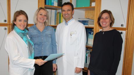 Seit einem Jahr gibt es an den Kliniken im Unterallgäu den Palliativmedizinischen Dienst. Das Bild zeigt (von links) dessen ärztliche Leiterin Dr. Ruth Sittl, Palliativ-Care-Fachkraft Martina Harder, Chefarzt Dr. Manfred Nuscheler und Palliativ-Care-Fachkraft Monika Gaßner.