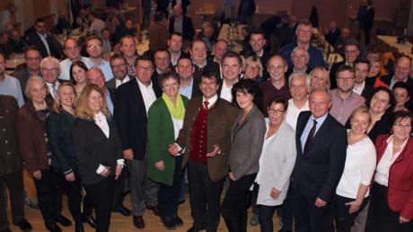 60 Frauen und Männer treten für die CSU auf Kreisebene zur Kommunalwahl 2020 an. Angeführt wird die Kreistagsliste von Rainer Schaal, der sich um das Amt des Landrates bewirbt.