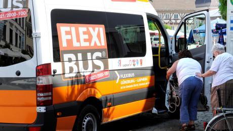 Gerade für Senioren ohne eigenes Auto ist der Flexibus eine willkommene Alternative – zumindest wenn das Angebot stimmt. Die Wertachtalgemeinden machen ihre finanzielle Unterstützung daher von Nachbesserungen bei der Anbindung nach Buchloe und Bad Wörishofen abhängig.