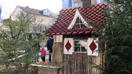 Der Weihnachtsmärchen-Winterwald am Denkmalplatz.