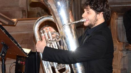 Gianmario Strappati aus Pfaffenhausens Partnerort Massignano gab in der Pfarrkirche ein Konzert. Er ist Meister an der Tuba.