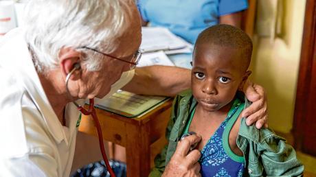 Für die Organisation German Doctors helfen Ärzte ehrenamtlich bei Projekten auf den Philippinen, in Indien, Bangladesch, Kenia und Sierra Leone. Petra Sirch aus Egg an der Günz arbeitete sechs Wochen lang in einer Gesundheitsstation in einem Slum bei Nairobi mit.