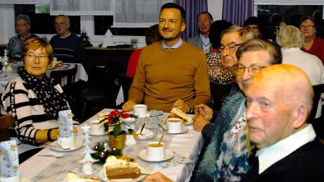 Beim Treffen mit den Jubilaren plauderte Bürgermeister Peter Wachler über die schönen Feste, die die Senioren 2019 feiern konnten.