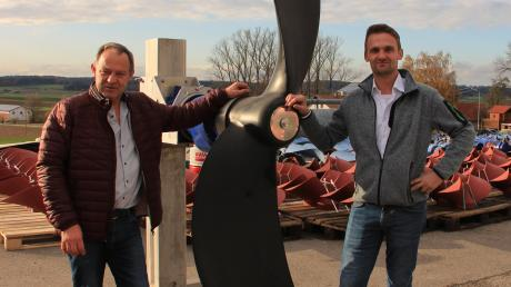 Propeller und Rührwerke verkauft die Firma Propeller Technik Maie aus Bergerhausen in die ganze Welt. Unser Bild zeigt Vater Alois und Sohn Werner Maier.