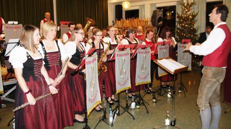 Der Musikverein Irsingen, der in diesem Jahr den 125. Geburtstag feiern kann, umrahmte unter der Leitung von Dirigenten Peter Ruf den Neujahrsempfang.