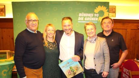 Die Grünen haben Daniel Pflügl als Landratskandidat nominiert. Unser Bild zeigt (von links): Assad Wardak, Sandra Neubauer, Daniel Pflügl, Dr. Doris Hofer und Konrad Lichtenauer vom Kreisvorstand.