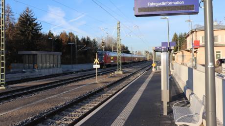 Ist der Zug für den Flexibus in Türkheim schon abgefahren? Die Akzeptanz ist zumindest im Türkheimer Gemeinderat noch ausbaufähig - zumindest so lange keine Anbindung nach Bad Wörishofen in das Konzept aufgenommen wird. Doch das wird die Bahn zulassen, da sie eine Konkurrenz zur Zugverbindung in die Kneippstadt verhindern wird.