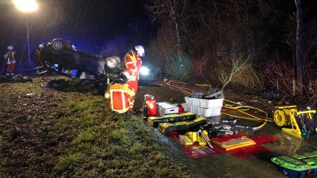 Die Feuerwehr Bad Wörishofen befreite den Mann aus seinem Auto.
