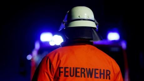 Die Feuerwehr rückte gegen Mitternacht in Bad Wörishofens Irsinger Straße an, wo es einen Alarm in einem Mehrfamilienhaus gab.