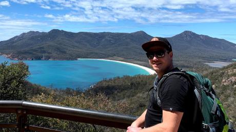 Markus Müller liebt Australien – und hat das Land zum inzwischen siebten Mal besucht. Das Foto zeigt ihn am Wineglass Bay (Tasmanien).